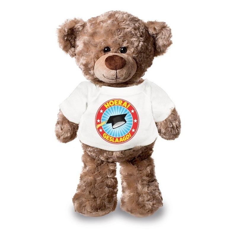 Knuffel teddybeer Hoera Geslaagd wit shirt 24 cm