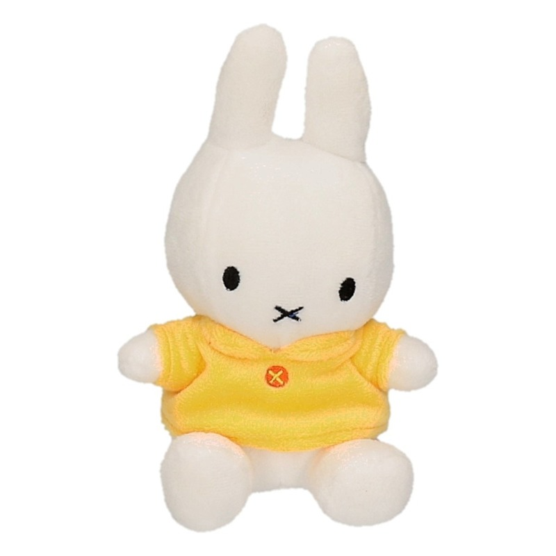 Pluche Nijntje knuffeltje gele outfit 17 cm
